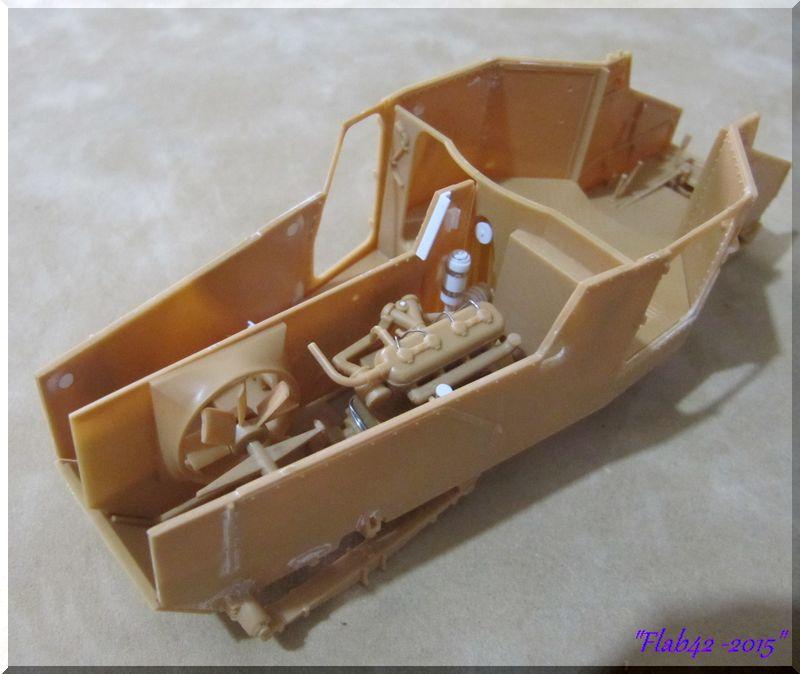 Panhard 178 AMD-35 - ICM - 1/35ème 242339moteur2