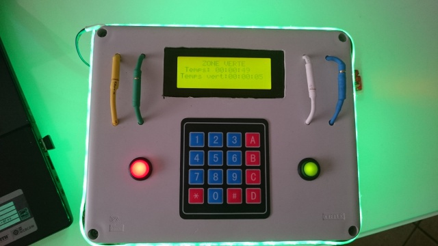 Boitier avec plusieurs mode de jeu 243252DSC0076