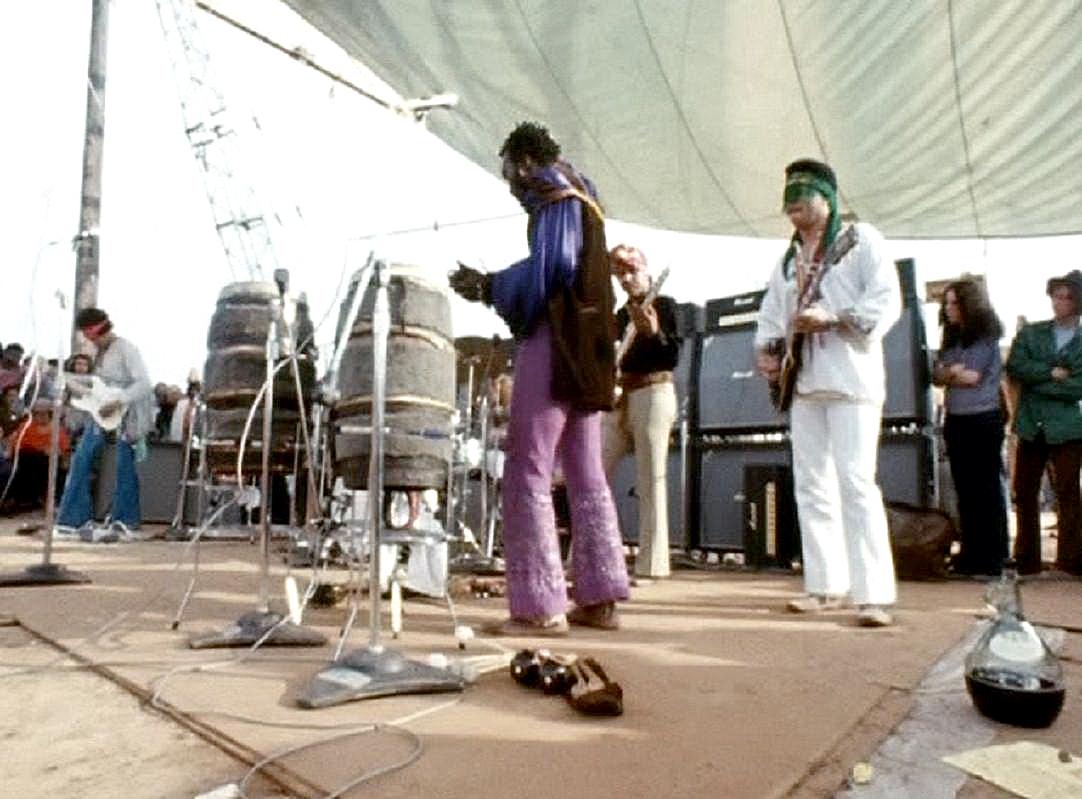 Live At Woodstock (1999) - Page 2 244285screenshot445