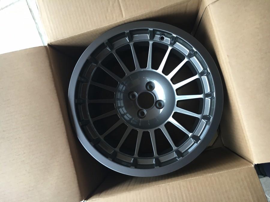 R5 Alpine Turbo 2 (Le Père Noël est passé: Jante Maxi :-) ) 244619IMG1121