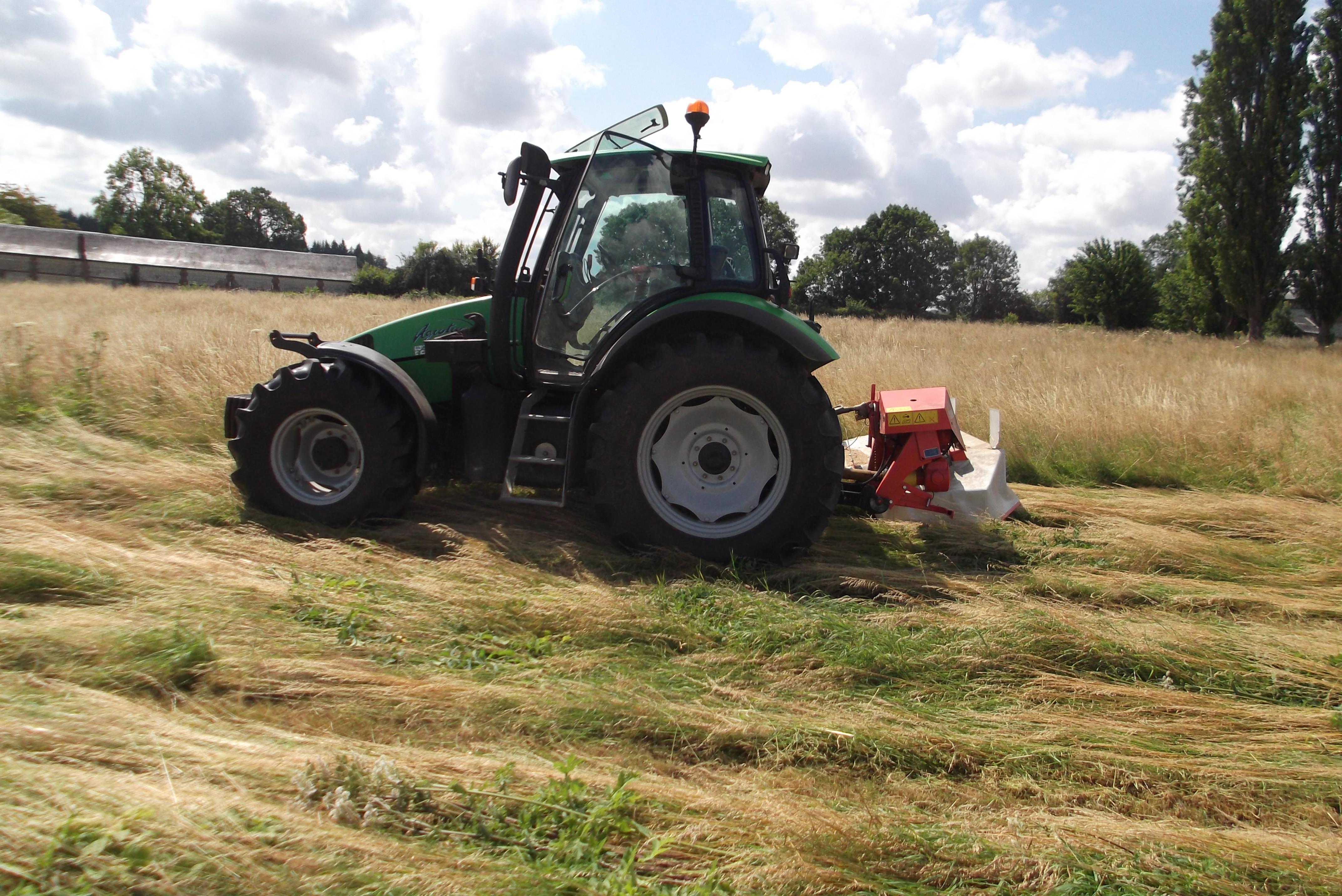 Photos de vos tracteurs - Page 4 244792DSCF0239