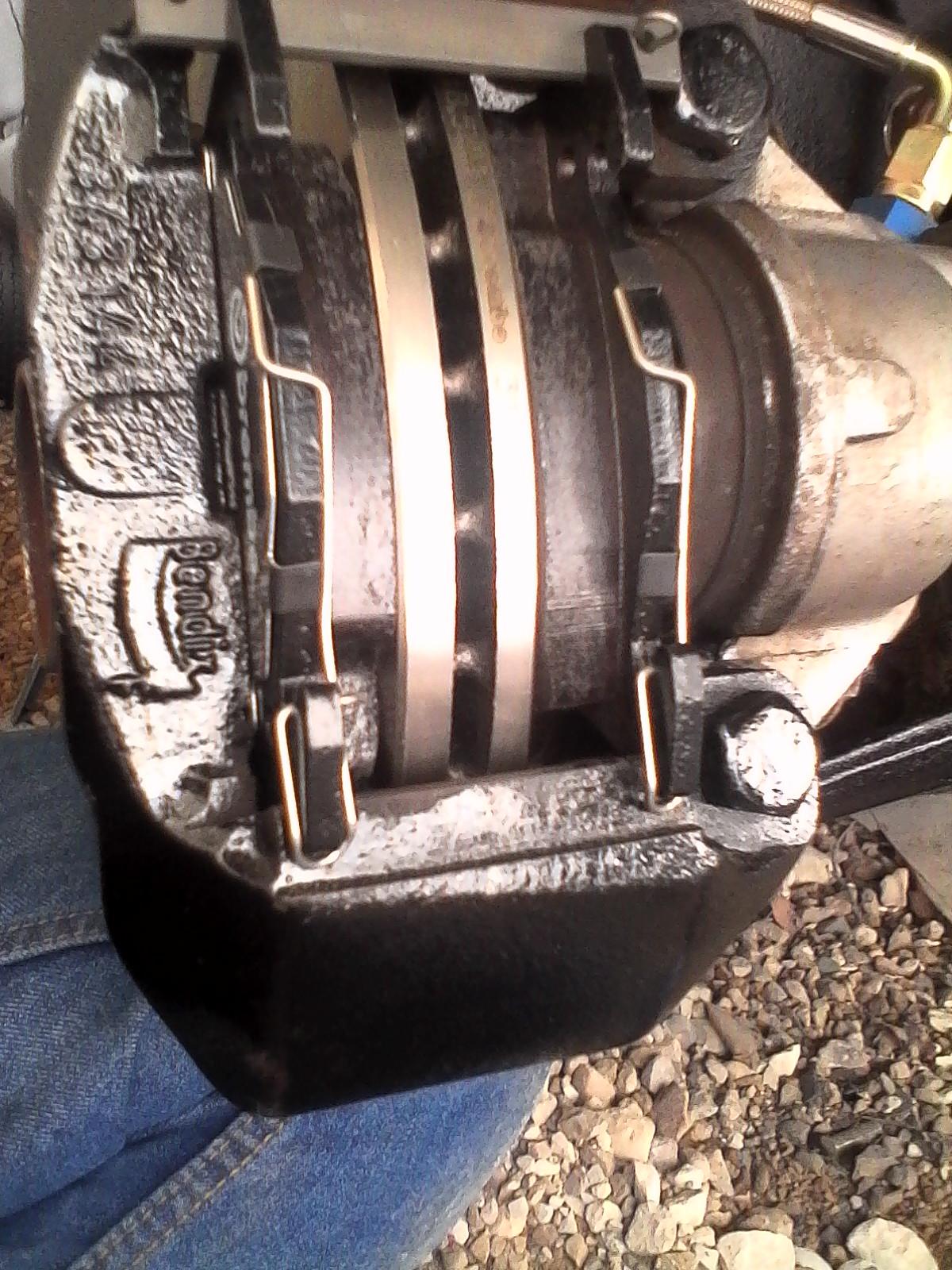 montage disques et plaquettes de freins + durites de freins 244799lulu4017