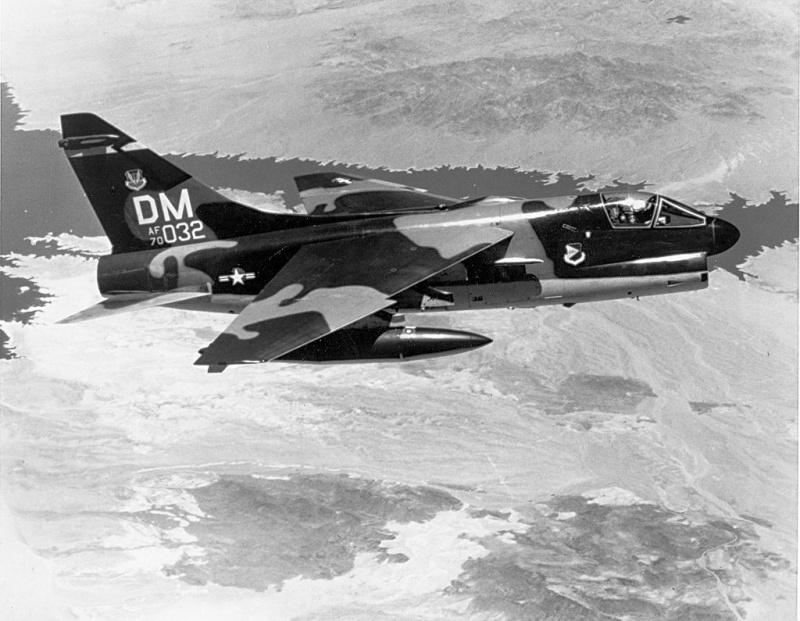 LTV A-7 Corsair II [NOUVELLE VERSION] 247272LTVA7DCorsairII30
