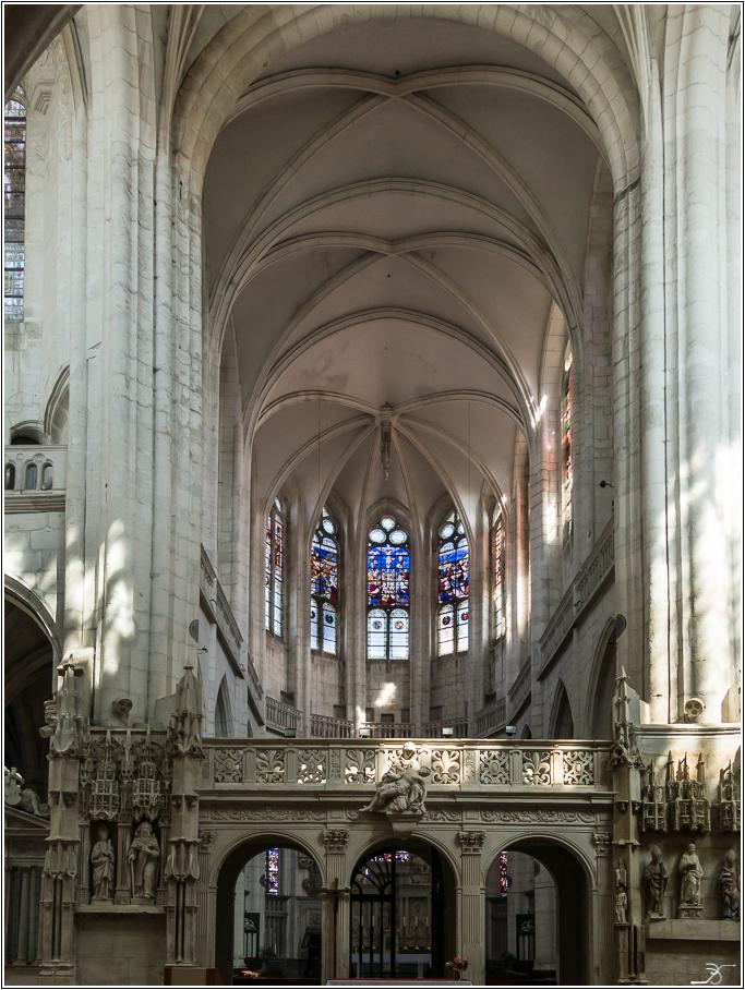 St Florentin: l'église 253206LR6DSC05165