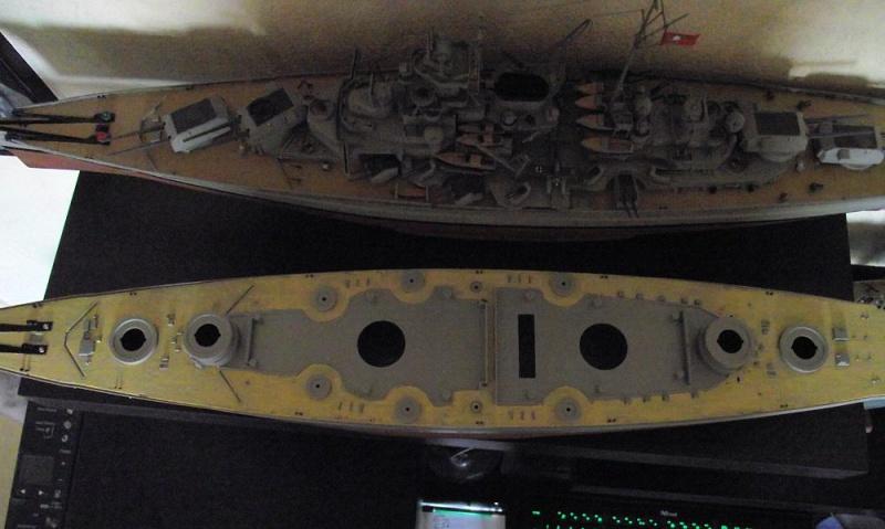 Bismarck Revell au 1/350ème  254870DSCF1022