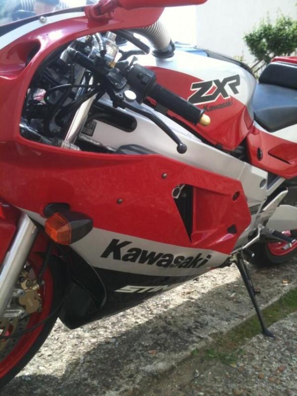 Un H2 rouge de plus 255809IMG1776