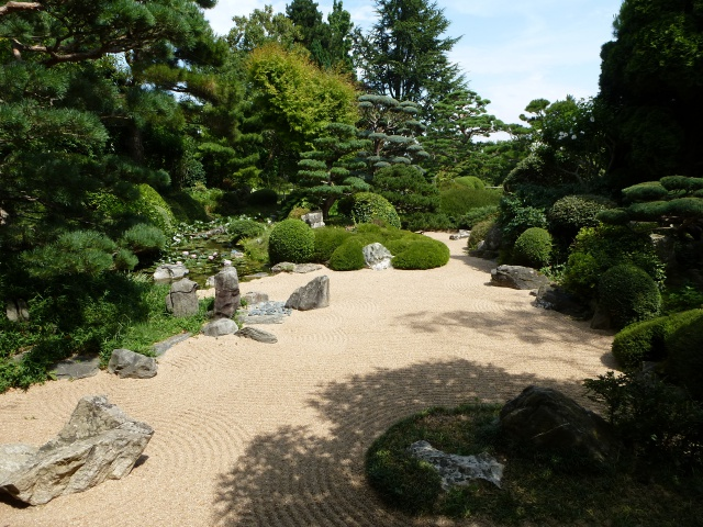 (26) Jardin Zen d'Erik Borja - Beaumont Monteux 258518P1020119