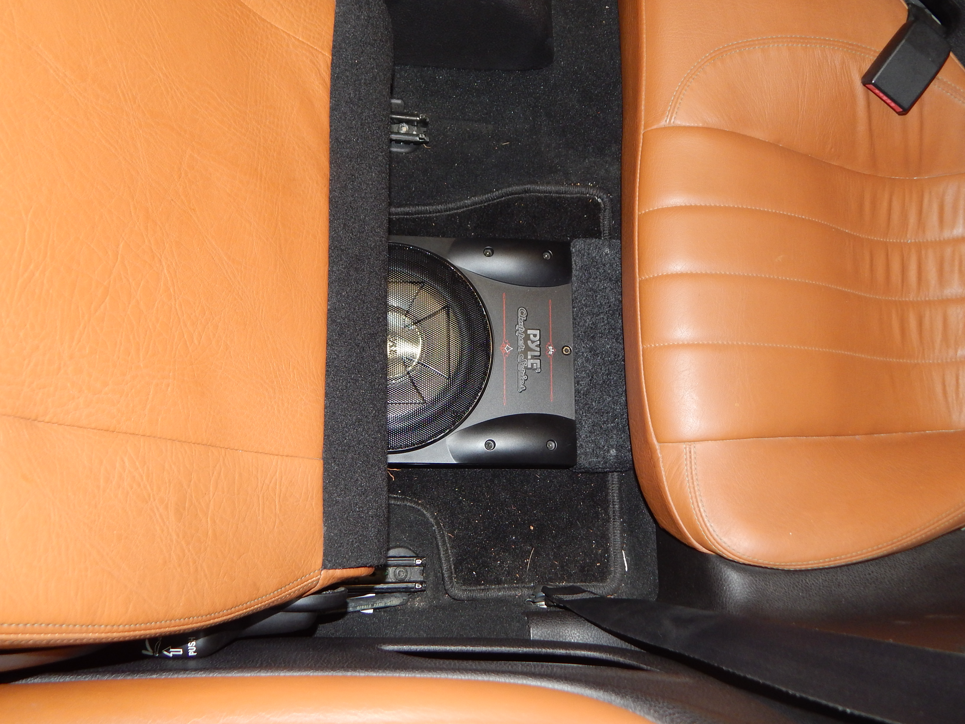 Besoin d'aide pour une installation audio Pioneer 262887DSCN4639