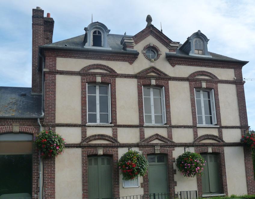 PACY SUR EURE: LE PARIS NORMAND AU COEUR SI TENDRE  - Page 2 264104P1110038