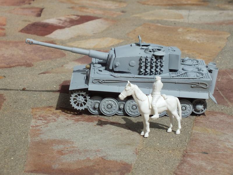Tiger I Late version ,tamiya 1/35 (début de patine) 268723DSCF5795