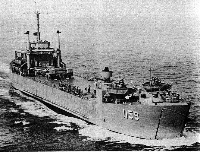LANDING SHIP TANK (LST) CLASSE NEWPORT  270262USSTomGreenCountyLST1159