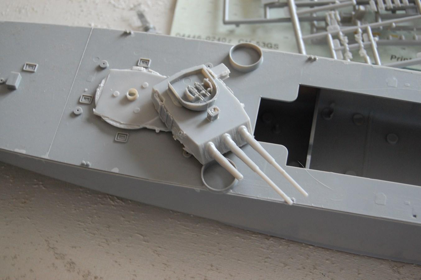 Revell USS Missouri BB-63 par EricAlain 277691Missouri6Copier