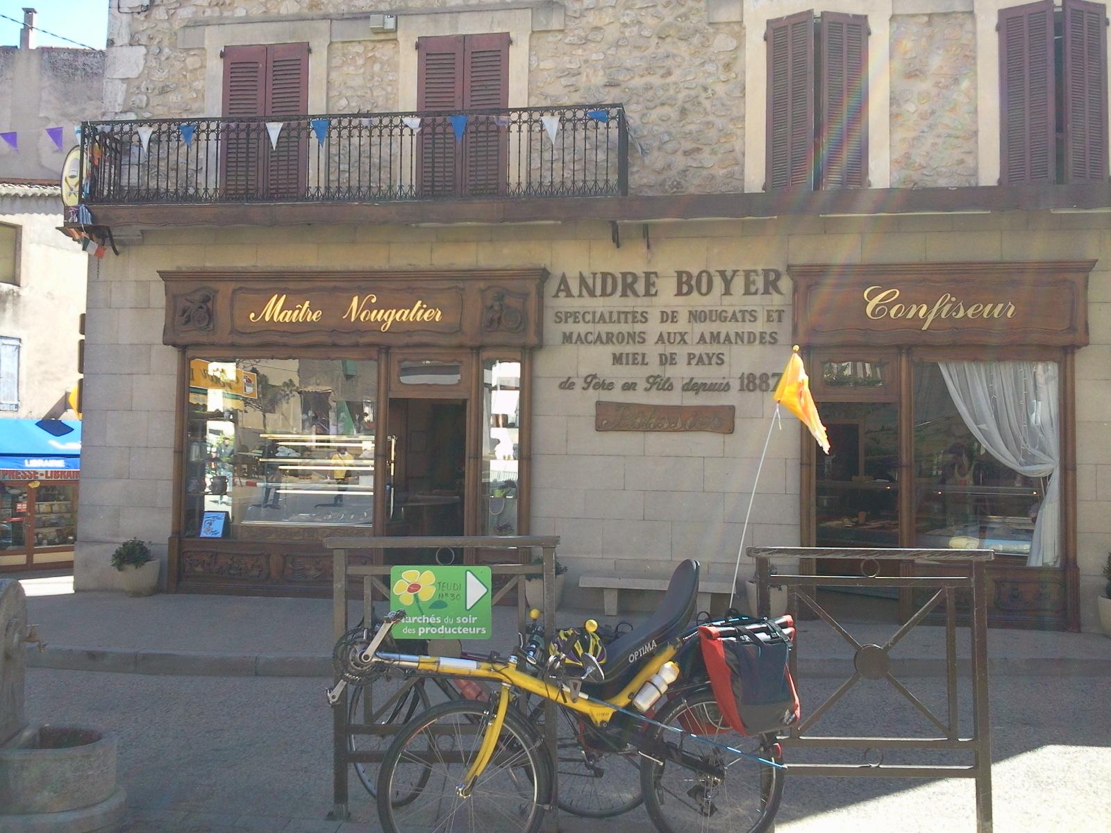 Voyage (petit) à la limite de la drome provençale et du vaucluse. 282225Photo0652