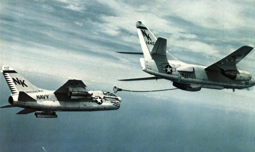 LTV A-7 Corsair II [NOUVELLE VERSION] 286526LTVA7ACorsairII30