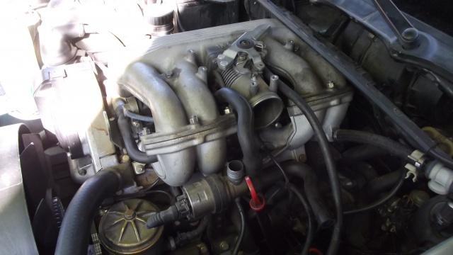 [BMW 316 i E36] Réparation d'une fuite d'essence moteur 28683217Busefiltreairenleve