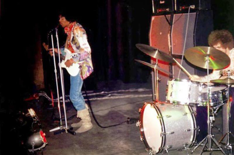 Londres (Saville Theatre) : 8 octobre 1967  [Premier concert] 28940119671008SavilleRehearsals04jpg