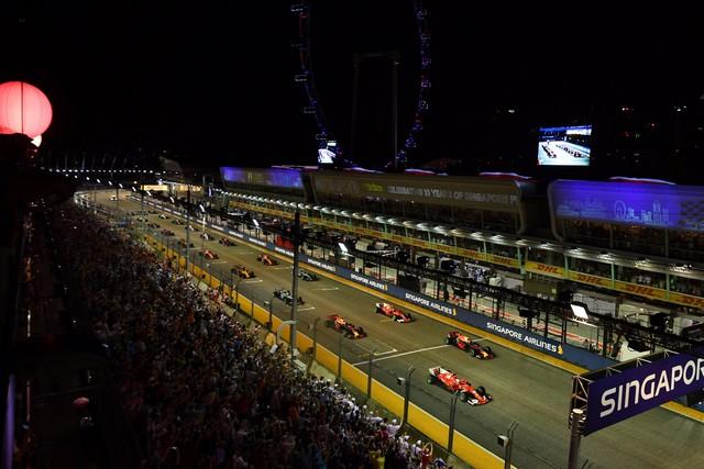 F1 GP de Singapour 2017 : Victoire Lewis Hamilton  291492DJ7iohBX0AEYcX4