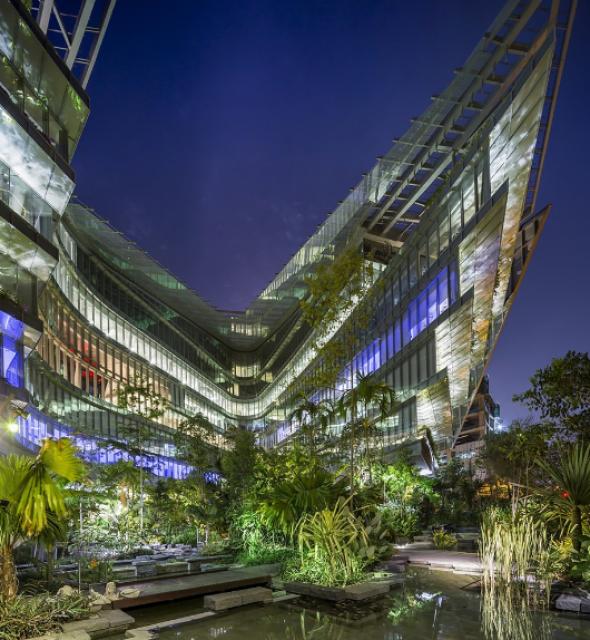 [Lucasfilm] Inauguration du Sandcrawler building à Singapour (2013)  292562scb11