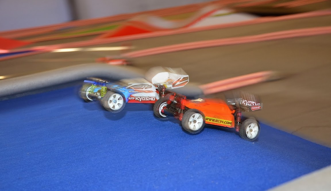 Challenge mini z buggy RC94 2013/2014 - Page 2 292974DSC0636