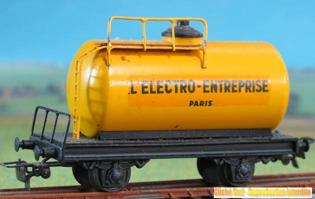 Wagons à 2 ess maquette citernes, foudres 294807VBciterneessieuxElectroEntrepriseIMG3535R