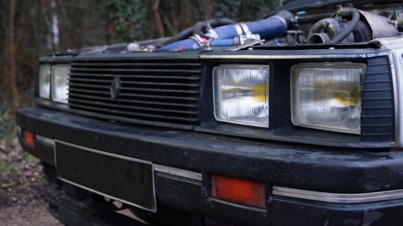 Mimich et sa R9 Turbo (du moins ce qu'il en reste) 297511DSC01052