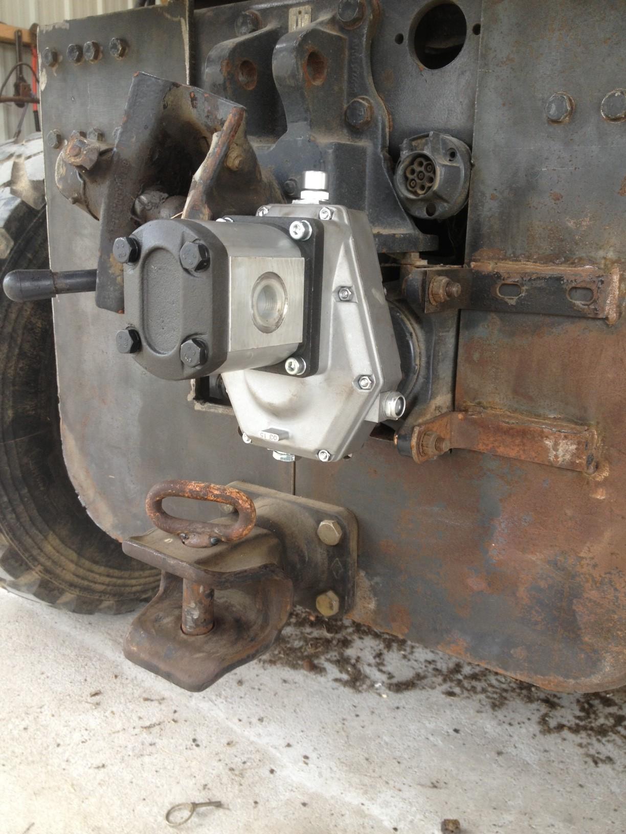 pompe hydraulique pour grue Marrel - Page 2 299758photo1