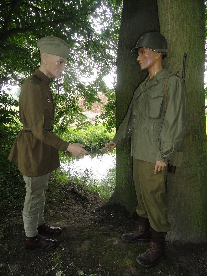 Armée rouge - Breslau et Torgau 1945 - tenue de combat 300443Torgau