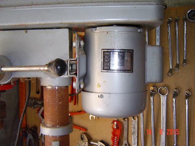 renovation d'une perceuse a colonne 301828DSC03765