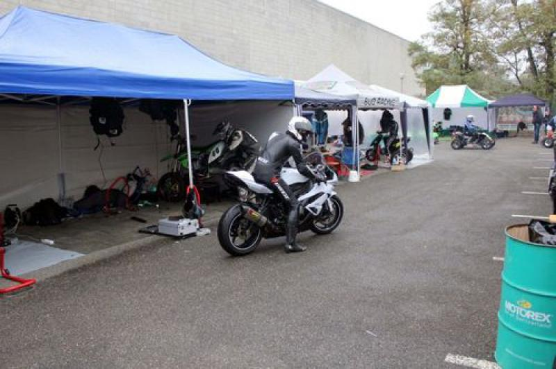 Ma zx6r 2010 (blanche) - Page 3 30754458072087_m