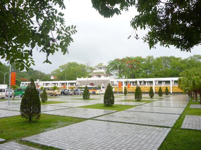 Tourisme historique à Dien Bien Phu 309266cimetiremiliviet