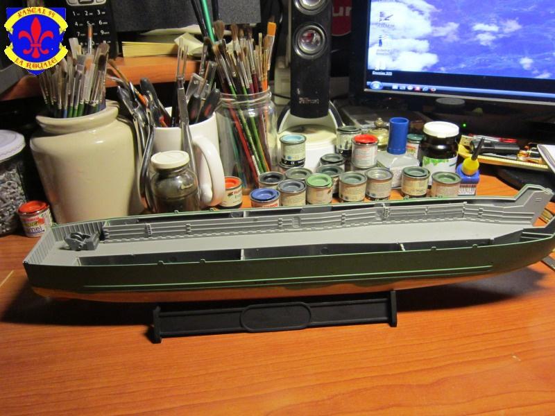 U.S. Navy Landing Ship Médium (Early) au 1/144 de Revell par Pascal 94 - Page 2 310222IMG41301