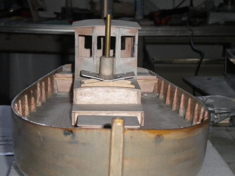 barque chalutiére au 1/20è d'après plans - Page 3 310687DSCN2192