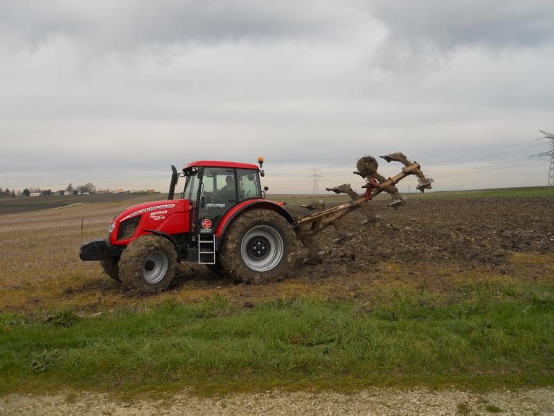 Photos de tracteurs Zetor  - Page 2 314807TRACTEURZETORHSX140015