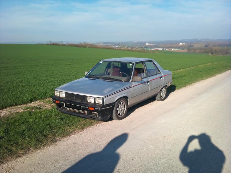 Mimich et sa R9 Turbo (du moins ce qu'il en reste) 316842DSC0071