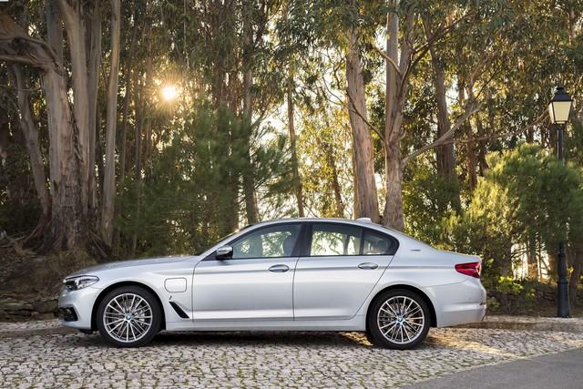BMW Group au salon de Detroit NAIAS 2017 317212P90244235highResbmw530eiperformanc