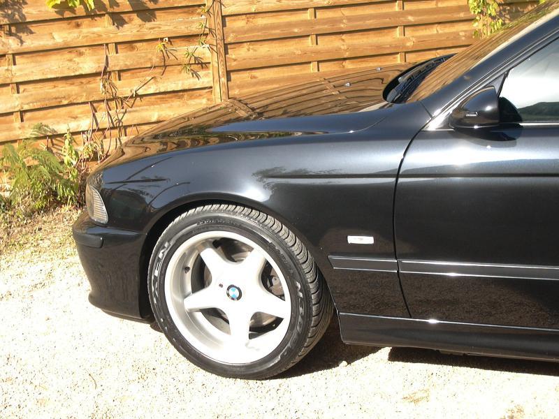 [BMW 530 d E39] Renaissance d'un Cosmos Schwarz Metallic 318785P1010113