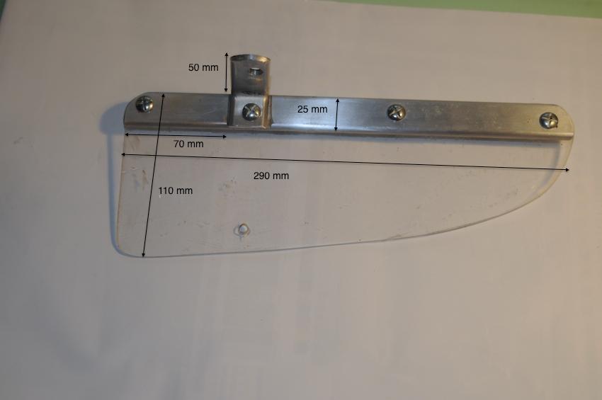 pare brise amovible et perturbations aerodynamiques - Page 2 322189Dflecteur4