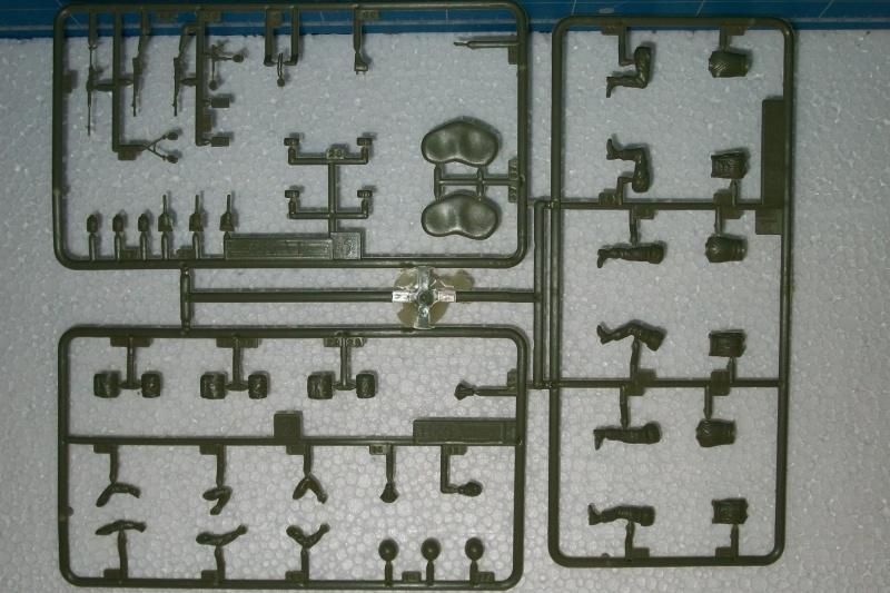 AMX 13 VCI 1/35ème Réf 81140 322304VCI029
