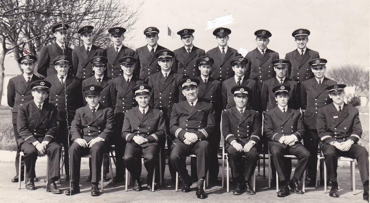 [Les traditions dans la Marine] Tenue dans la Marine- Tome 02 - Page 36 322466Casquettesen68