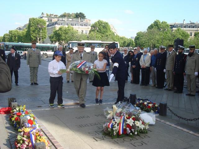 17 juin 2015 . 71 ans du débarquement à l'île d' Elbe 326452044