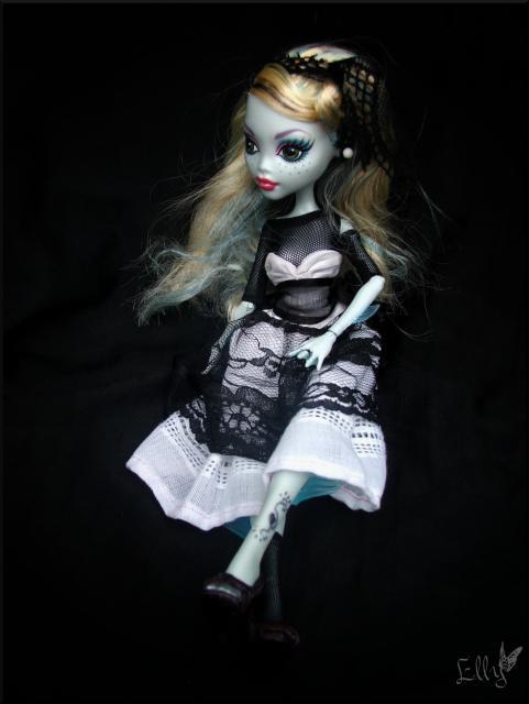 Monster High,  un uniforme d'écolière... 328428DSCF0238