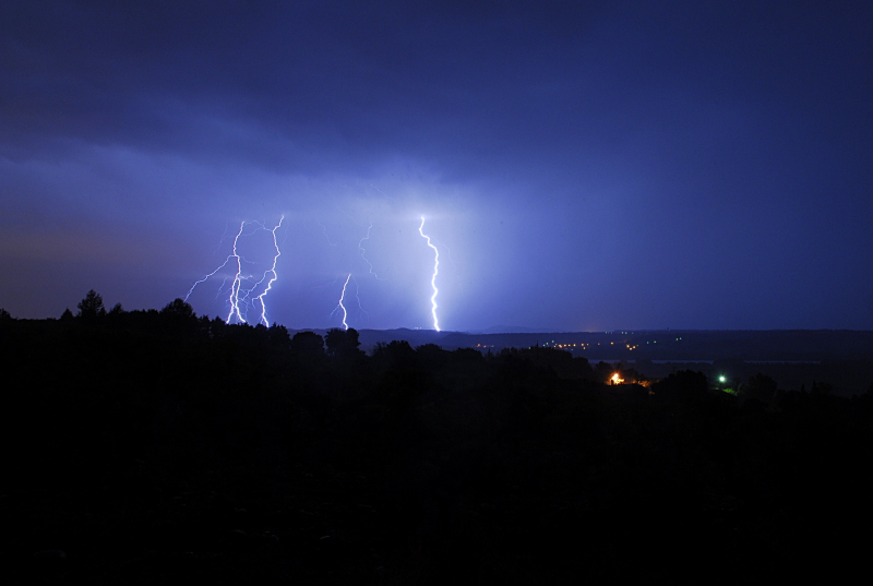 Suivi des orages en France saison 2010 - Page 2 328954_DSC1177