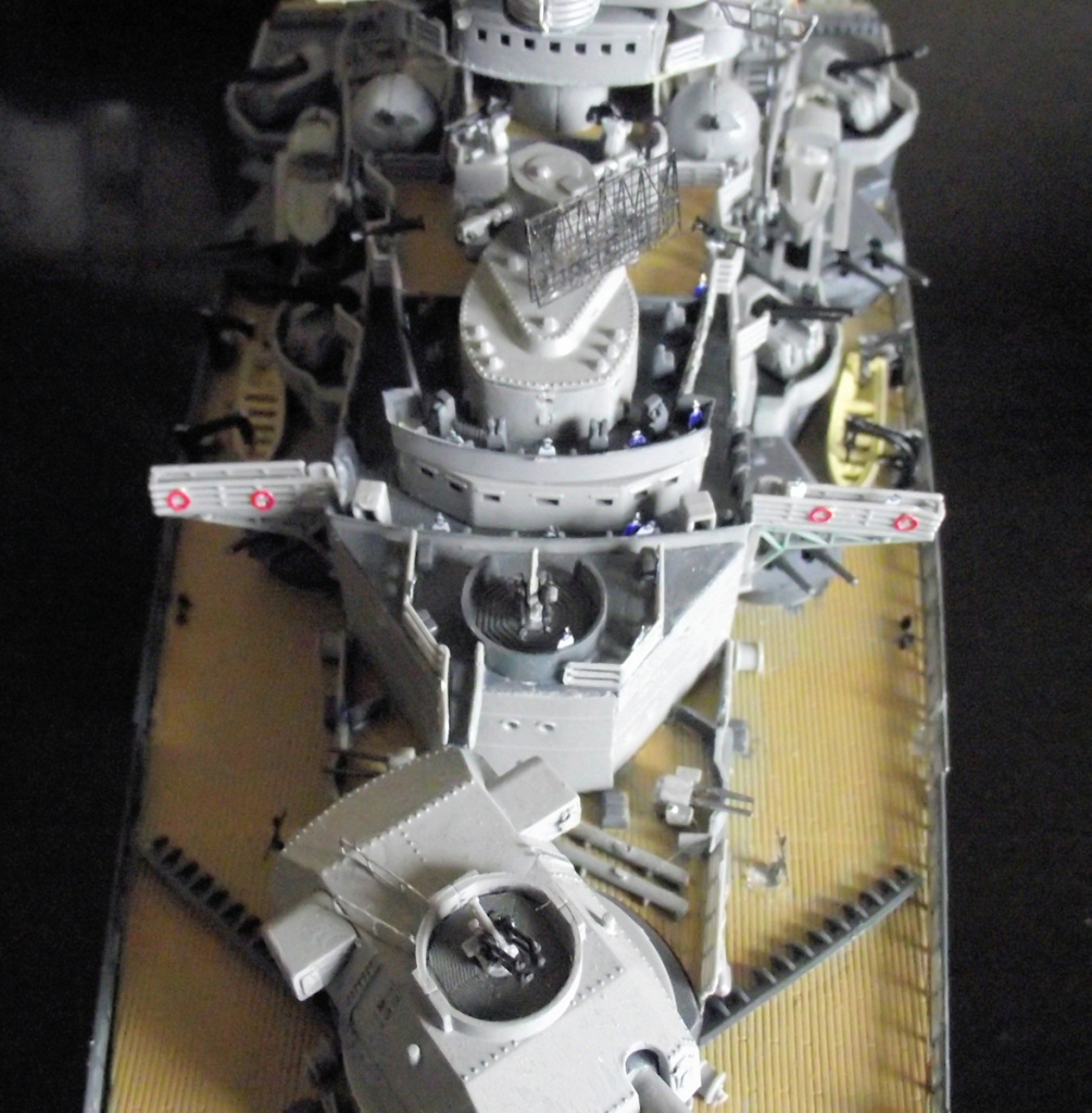 Tirpitz Revell au 1/350° 331123TipitzRevell1x35019