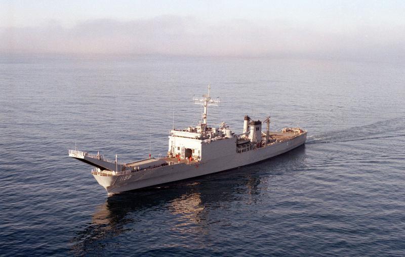 LANDING SHIP TANK (LST) CLASSE NEWPORT  332307USSBristolCountyLST1198