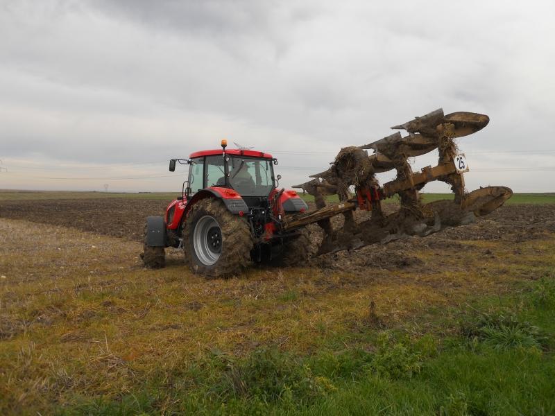 Photos de tracteurs Zetor  - Page 2 333682TRACTEURZETORHSX140013
