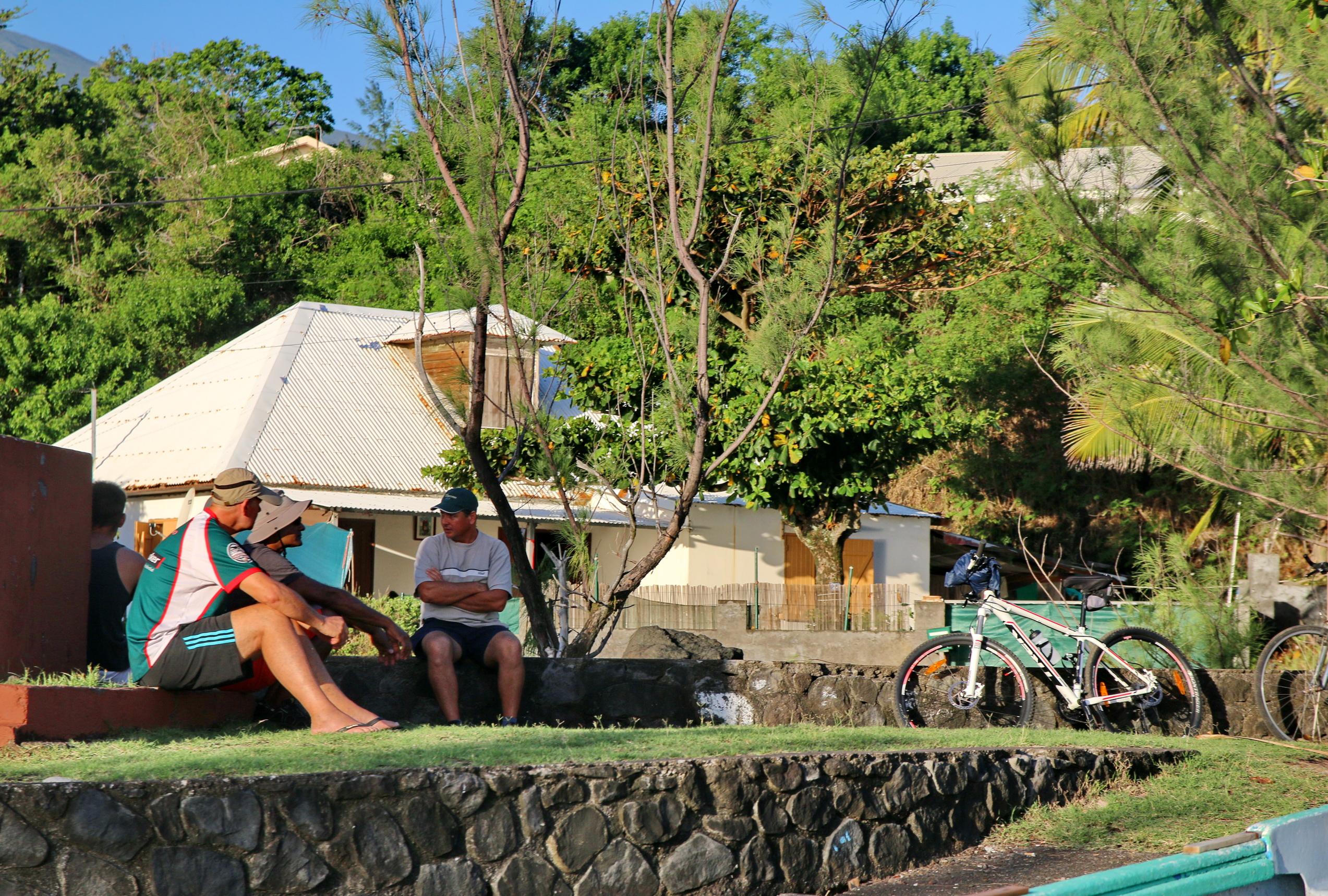 [Vie des ports] Les ports de la Réunion - Page 5 338134capmchantlangevin155