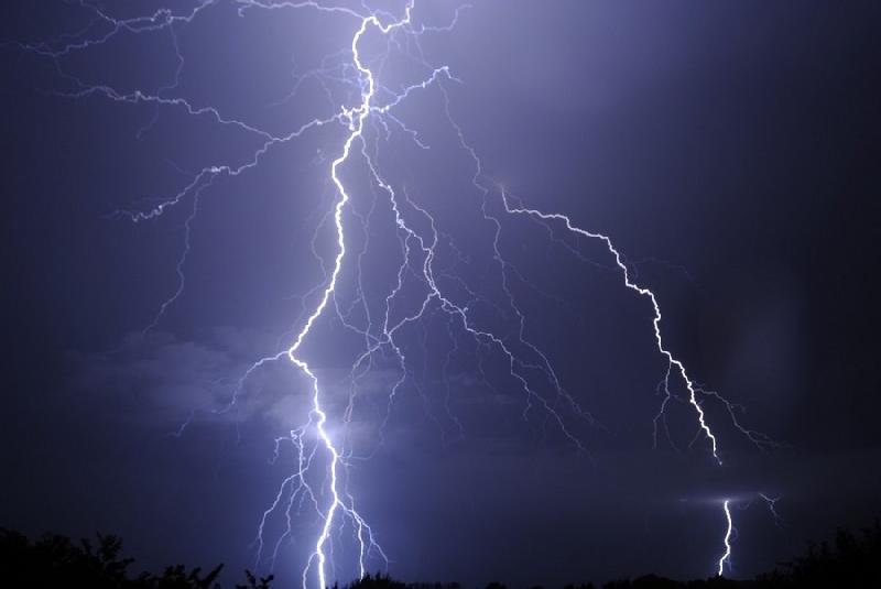 Foire aux questions concernant la météorologie en général - Page 2 34400828588180820112251