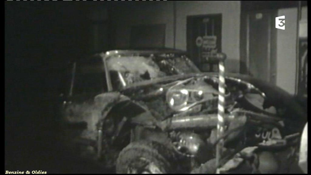 très rares photos de l'accident de Johnny Hallyday et Sylvie Vartan le 20 février 1970 à bord d'une Citroën DS 346069citroendscrashjohnny01
