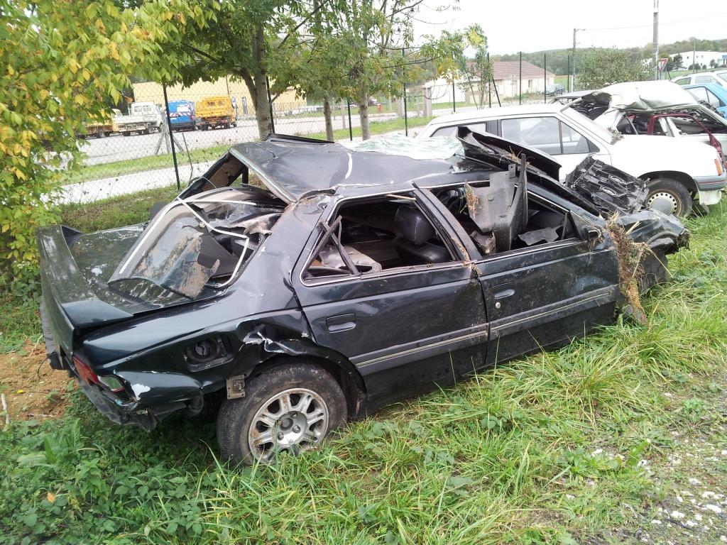 Accident grave avec Peugeot 405 STDT 35060720111012154908