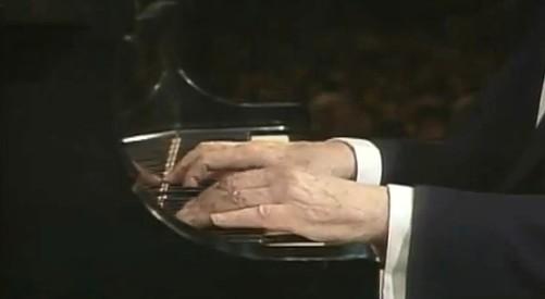 Le QUIZZ des PIANOPHILES à coucher dehors... - Page 6 352700535